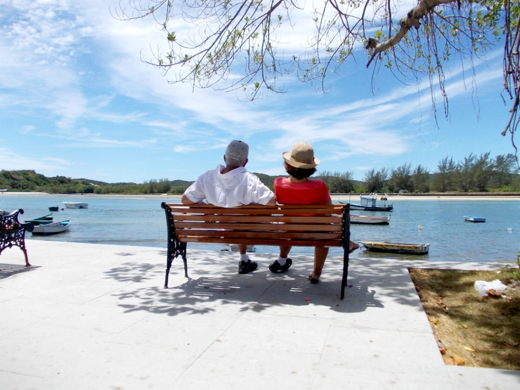 Turistas no Canal Itajuru, em Cabo FRio